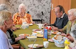 Alzheimer : un village où les malades ont la paix