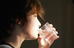 Les bons gestes pour éviter les calculs urinaires