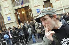À Paris, le tabagisme au collège et au lycée a repris