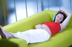Les femmes enceintes voient leurs pieds s'allonger