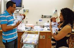 Un bébé né 24 jours après son jumeau