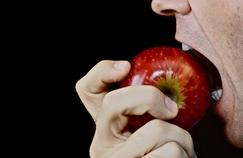 Manger des fruits chaque jour protège les artères