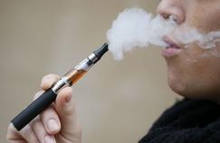 E-cigarette : l'OMS recommande l'interdiction de la vente aux mineurs