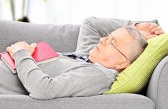 Pourquoi les personnes âgées dorment moins bien