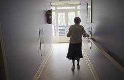 Les soins contre l'Alzheimer remis en cause
