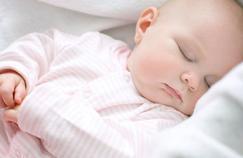Il est plus facile d'allonger la sieste de bébé que ses nuits