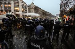 Les manifestants dispersés à Paris, des heurts en régions