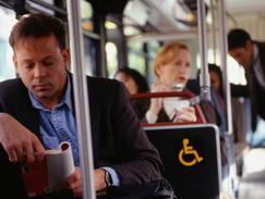 Accessibilité aux transports des personnes handicapées