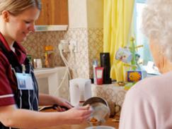 Aide ménagère aux personnes agées