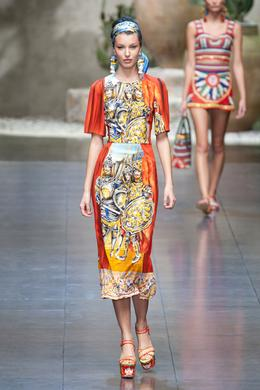 7930922c407ad0 Défilé Dolce   Gabbana Printemps-été 2013 Prêt-à-porter - Madame Figaro