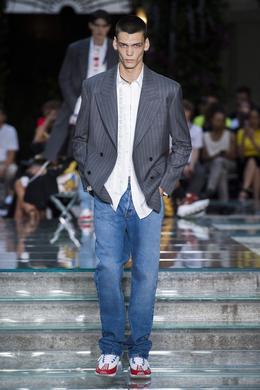 Défilé Versace printemps-été 2019 Homme - Madame Figaro eb94f350569