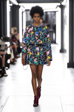 Défilé Louis Vuitton printemps-été 2019 Prêt-à-porter - Madame Figaro 5626422d93e