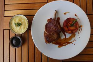 Restaurant Makassar Lounge & Restaurant