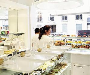 Restaurant Café blanc Courrèges