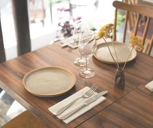 Restaurant Ake Table & Vin