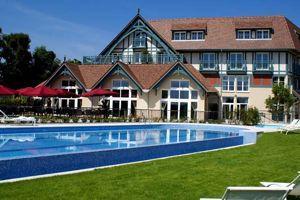 La piscine extérieur de l'hôtel Renaissance.