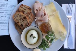 Lire la critique : Otto au Bal Café