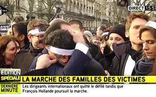 Grande émotion entre François Hollande et Patrick Pelloux