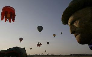Un étonnant festival de montgolfières aux Philippines