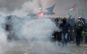 EN DIRECT - Grève : 806.000 manifestants en France selon l'Intérieur, plus de 1,5 million pour la CGT