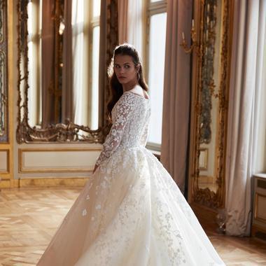 5b5c33fdcf952 Elie Saab   Photo presse Elie Saab présente ses robes de mariée printemps  2019