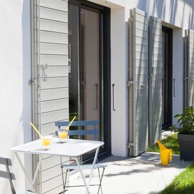 relooker sa terrasse prix mini c 39 est possible madame. Black Bedroom Furniture Sets. Home Design Ideas