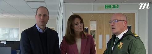 En pleine épidémie de coronavirus, Kate et William rendent visite aux secouristes londoniens