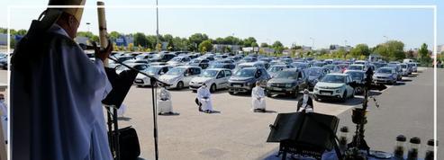 À Châlons-en-Champagne, une messe est célébrée en «drive in»