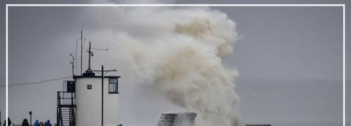 Tempête Dennis: l'Angleterre touchée par des vents à plus de 100 km/h