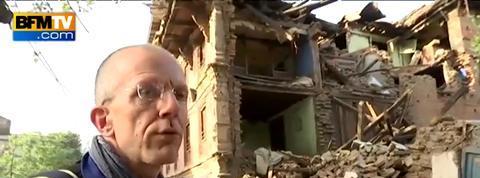 Au Népal, le difficile travail des secours français