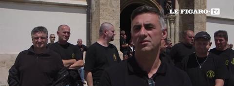Des vétérans croates retranchés dans un église pour manifester