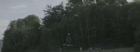 Il bat le record du monde de vol en hoverboard