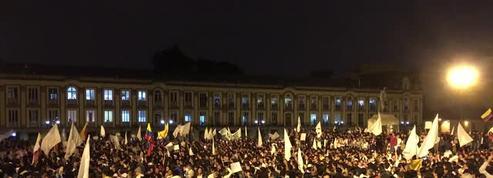 Une marche pour la paix rassemble des milliers de Colombiens à Bogota