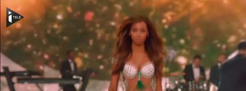 Un spectaculaire défilé Victoria's Secret à Paris