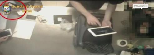 Des bagagistes de l'aéroport de Rome filmés en flagrant délit de vol