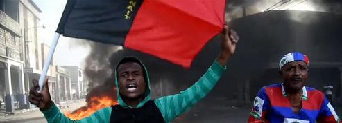 À Haïti, la foule manifeste contre le pouvoir