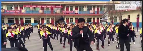 Ce proviseur chinois affole la toile grâce à une chorégraphie