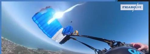 Un parachutiste filme sa frayeur après que son parachute s'est emmêlé