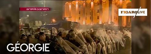 Géorgie : 70 blessés après de violents affrontements devant le Parlement