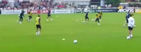 Hatem Ben Arfa régale à l'entraînement avec les Bleus