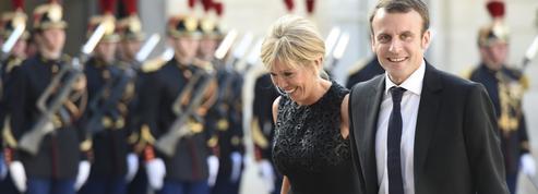 Emmanuel Macron présente officiellement la femme de sa vie