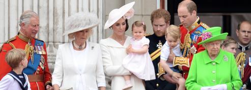 La princesse Charlotte, nerveuse pour sa première apparition sur le balcon de Buckingham