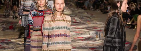 Alexander McQueen, Emporio Armani, Hermès... À Paris, la mode est chic, rock et tech