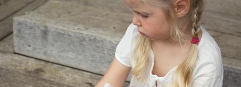 Cosmétiques: l'alerte des dermatologues contre un conservateur