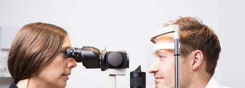 Yeux rouges et aphtes: attention à une inflammation des vaisseaux