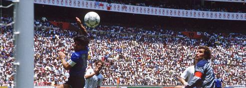 En 1986, Diego Armando Maradona invente la «Main de Dieu» (vidéos)