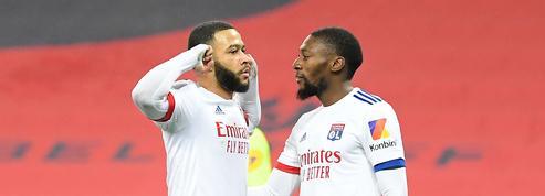 Lyon séduit à Nice et prend le pouvoir avant le choc Lille-PSG