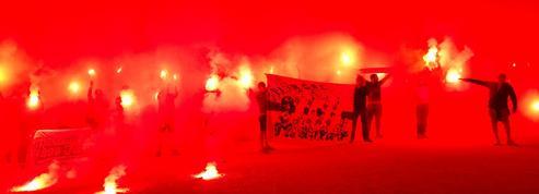 Les supporters de l'OM ont fêté les 27 ans du titre européen devant le Vélodrome