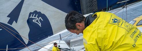Brest Atlantiques : Cammas et Caudrelier au stand à Bahia pour réparer