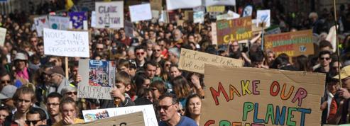 EN DIRECT - Climat : la «Marche du siècle» organisée à Paris et à travers la France
